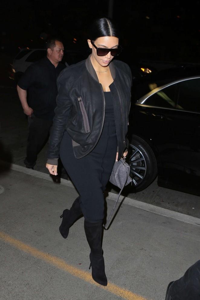 Kim kardashian lax airport in la