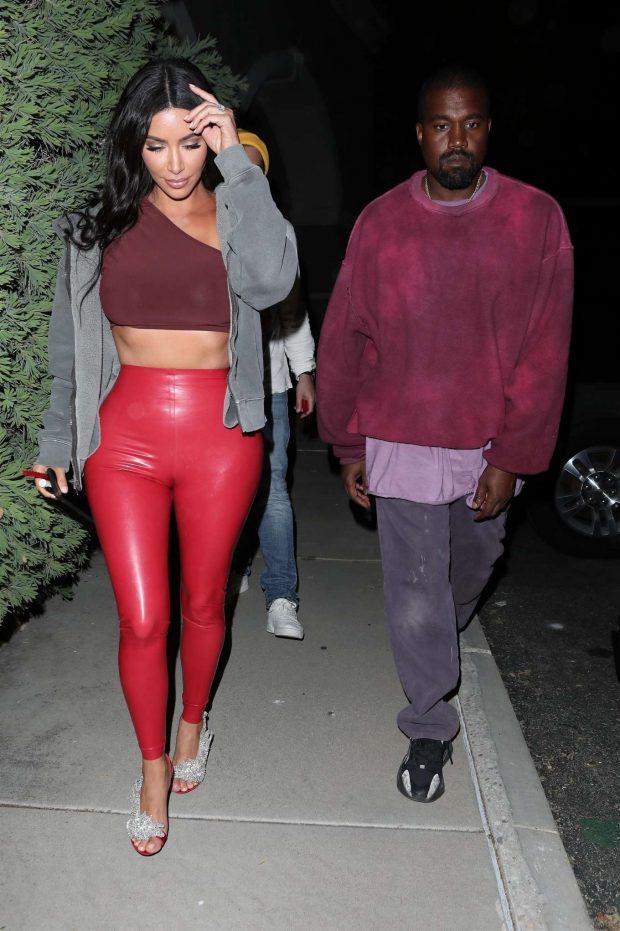 Kim Kardashian: Leave Travis Scotts Birthday party -05