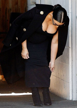 Kim Kardashian - Leaves A Studio in Van Nuys