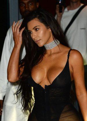Kim Kardashian - Leaves her hotel in Miami