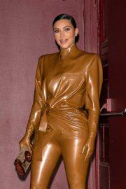 Kim Kardashian - Leaves Sunday Service in Paris