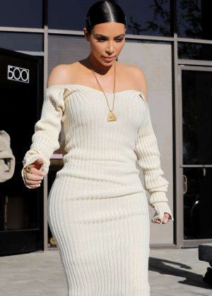 Kim Kardashian Leaves the studio in Westlake