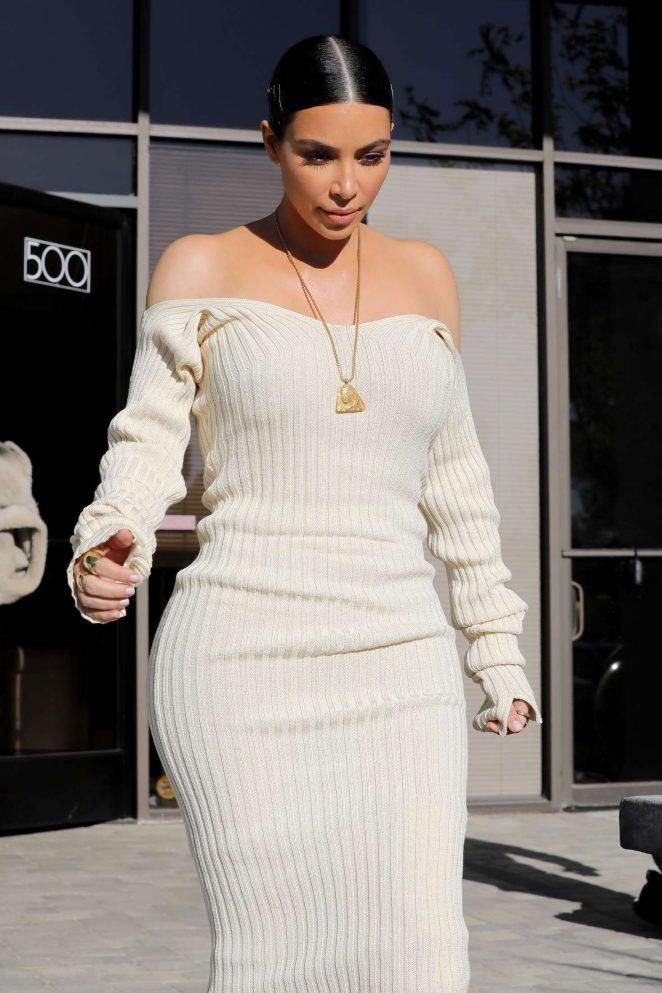 Kim Kardashian Leaves the studio in Westlake