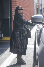 Kim Kardashian - Leaving a medical building in Beverly Hills