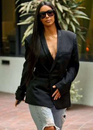 Kim Kardashian Leaving a medical building in Beverly Hills