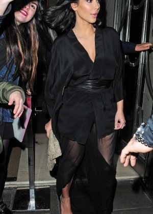 Kim Kardashian - Leaving Claridge's Hotel in London