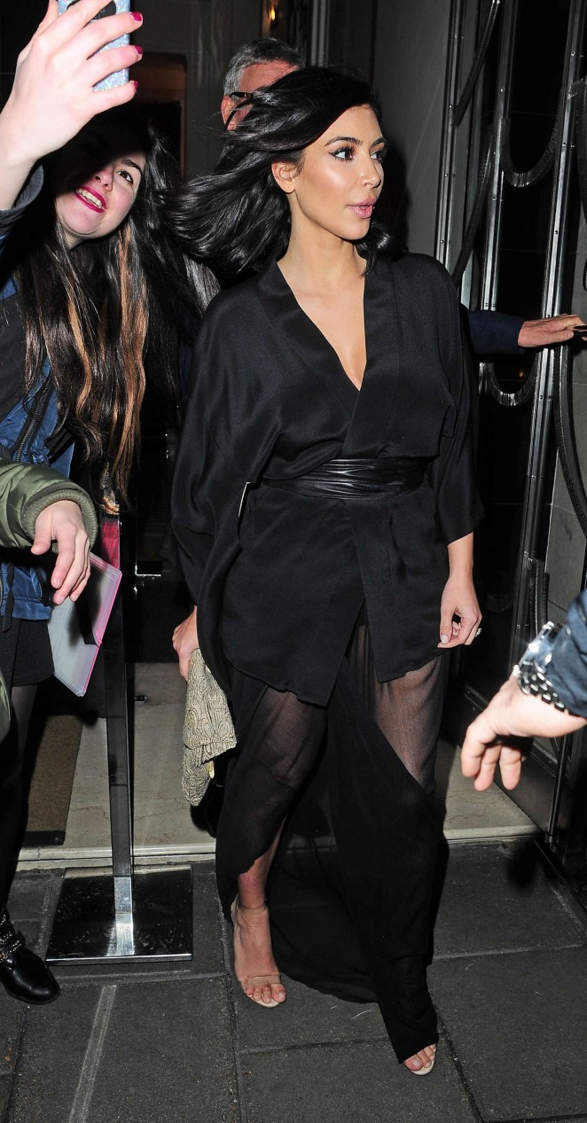 Kim Kardashian - Leaving Claridge's Hotel in London