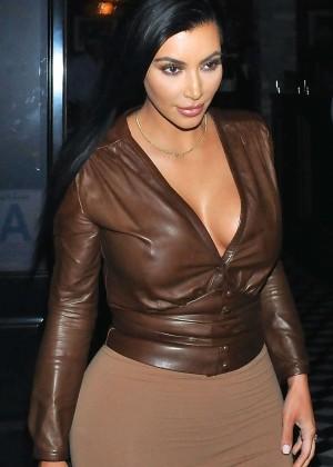 Kim Kardashian - Leaving Craig's Restaurant in West Hollywood