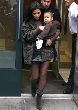 Kim Kardashian - Leaving her apartment in NYC