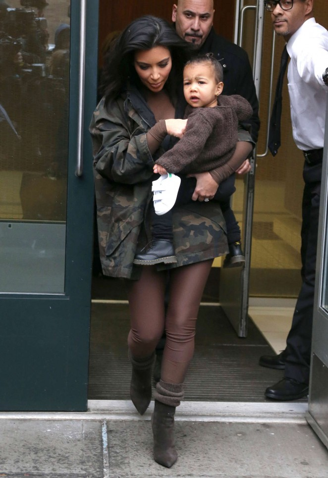 Kim Kardashian - Leaving her apartment in NYC