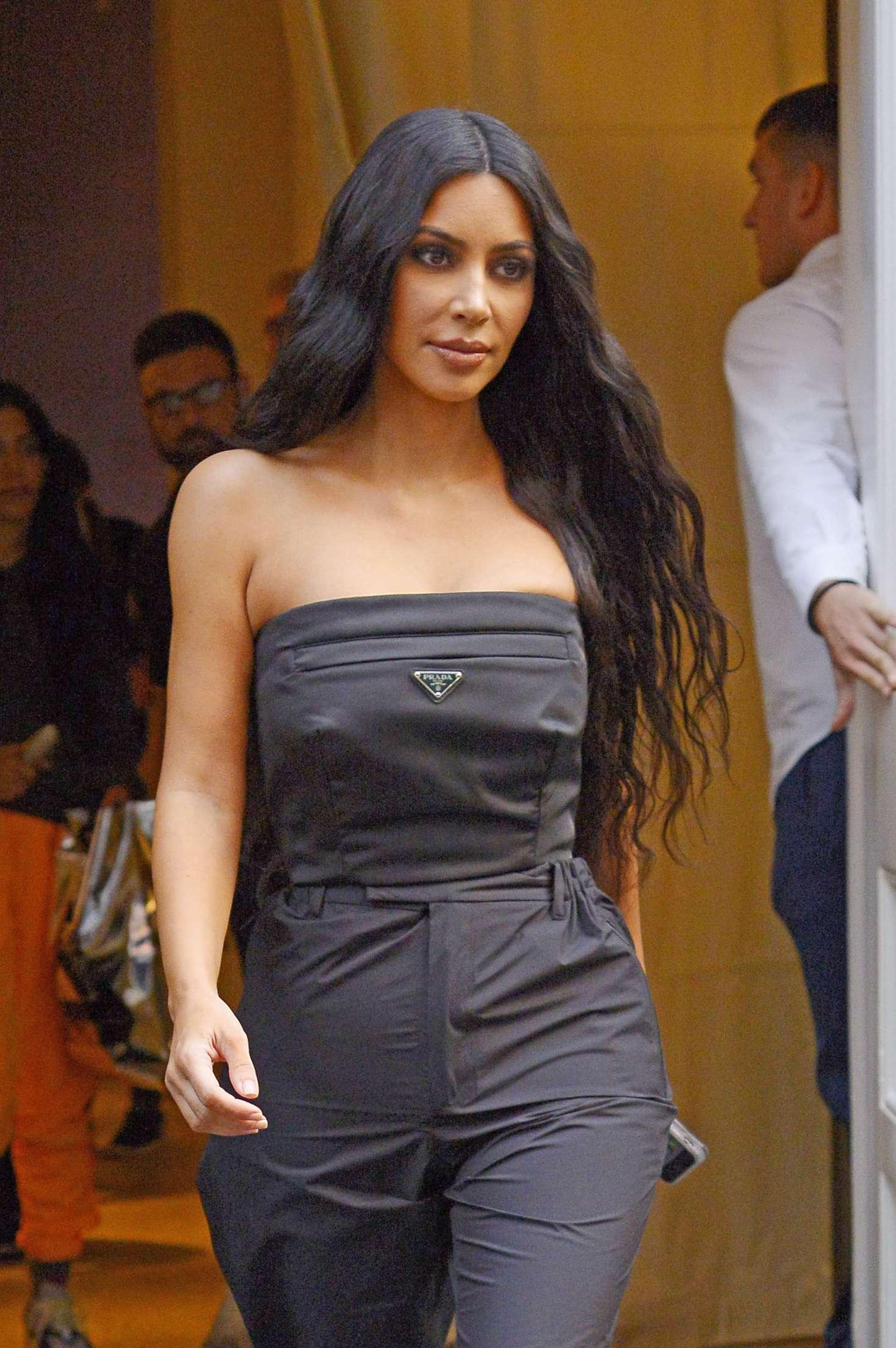 Kim Kardashian - Leaving her hotel in New York City