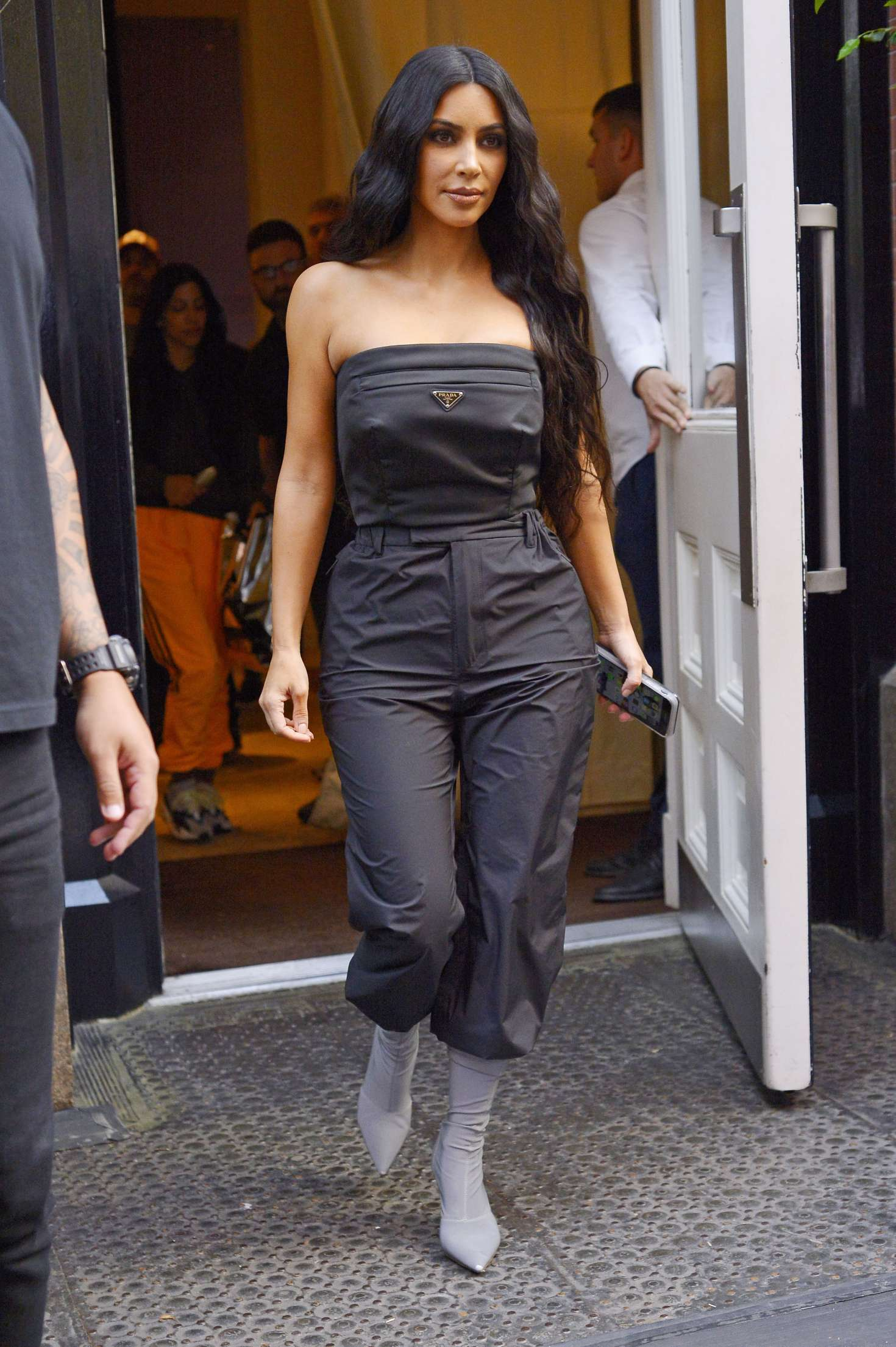 Kim Kardashian 2018 : Kim Kardashian: Leaving her hotel in New York City -06