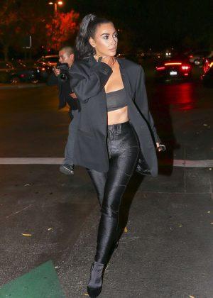 Kim Kardashian - Leaving Sugarfish in Calabasas