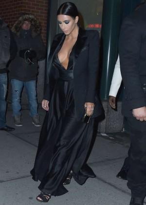 Kim Kardashian in Black Dress -02