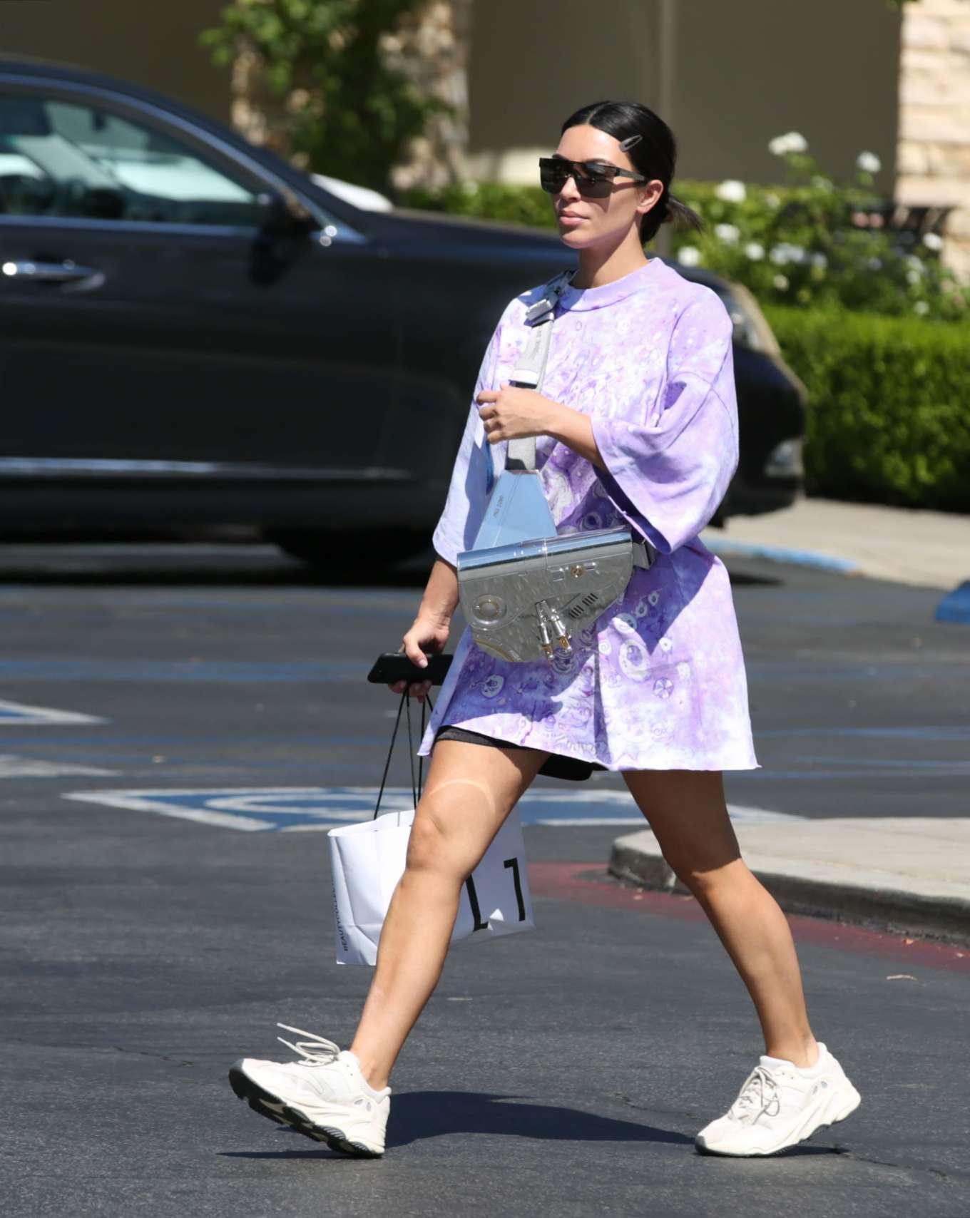 Kim Kardashian 2019 : Kim Kardashian – Out and about in Malibu-07