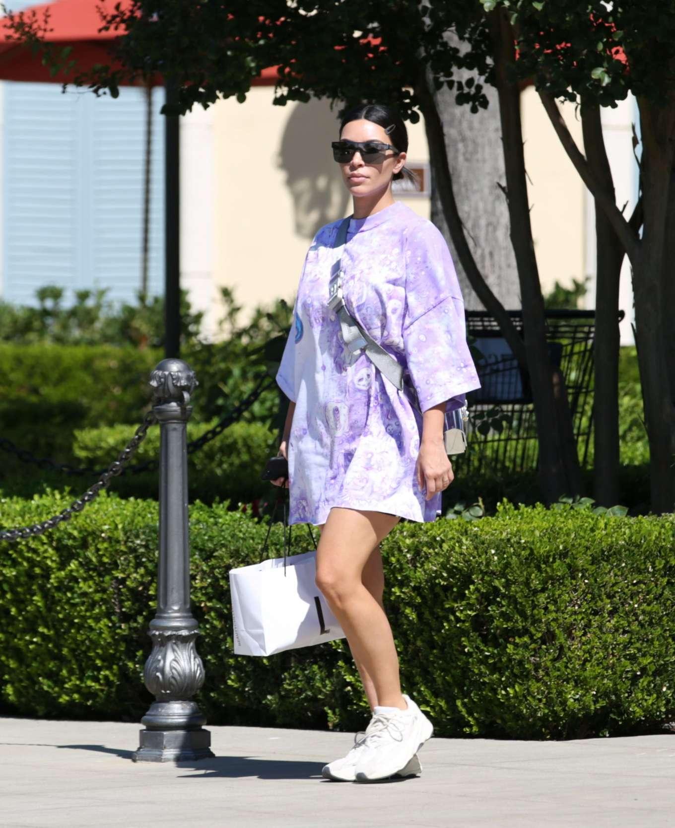 Kim Kardashian 2019 : Kim Kardashian – Out and about in Malibu-09