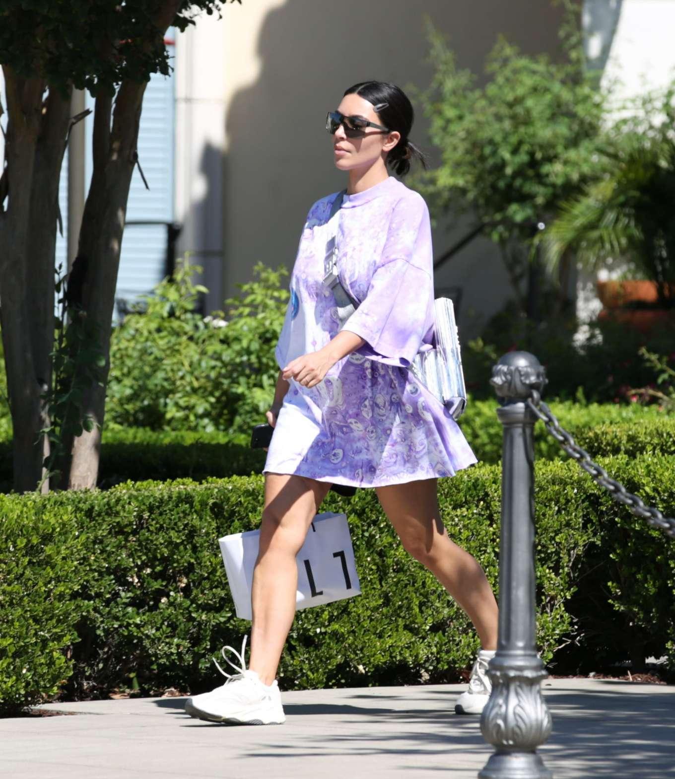 Kim Kardashian 2019 : Kim Kardashian – Out and about in Malibu-25