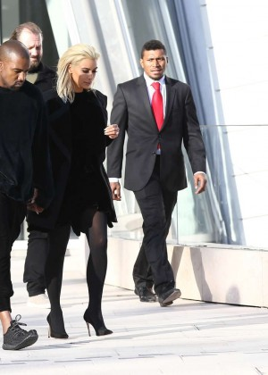 Kim Kardashian Debuts Blonde Hair -05