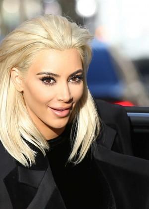 Kim Kardashian Debuts Blonde Hair -07