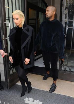 Kim Kardashian Debuts Blonde Hair -09