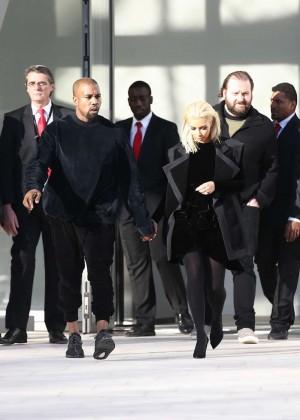 Kim Kardashian Debuts Blonde Hair -10