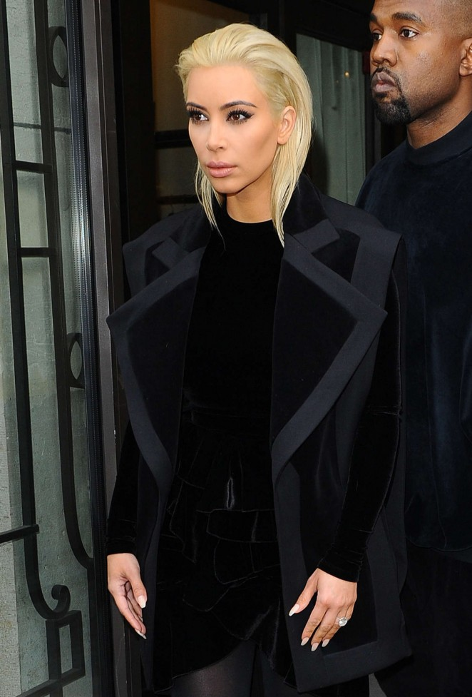 Kim Kardashian – Out and about in Paris