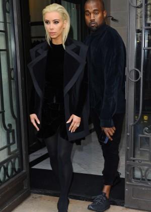 Kim Kardashian Debuts Blonde Hair -14