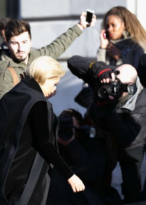 Kim Kardashian Debuts Blonde Hair -17