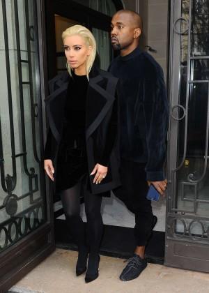 Kim Kardashian Debuts Blonde Hair -21