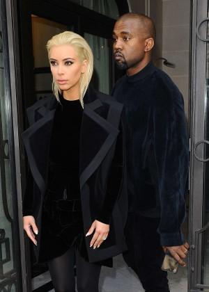 Kim Kardashian Debuts Blonde Hair -23