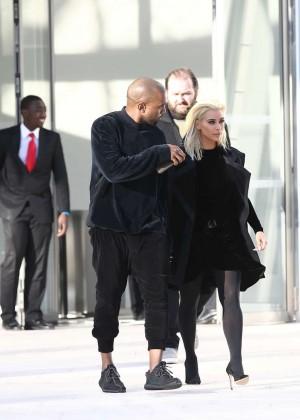 Kim Kardashian Debuts Blonde Hair -26