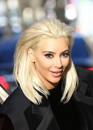 Kim Kardashian Debuts Blonde Hair -30