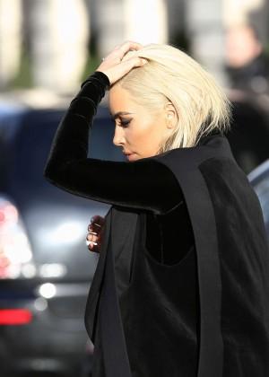 Kim Kardashian Debuts Blonde Hair -32