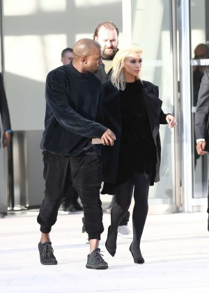 Kim Kardashian Debuts Blonde Hair -33