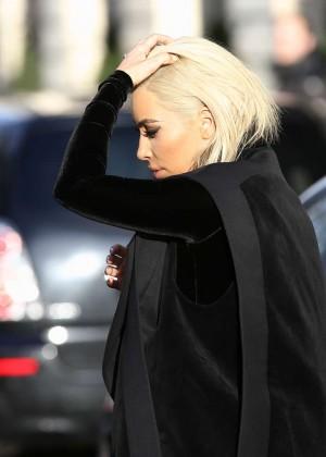 Kim Kardashian Debuts Blonde Hair -35
