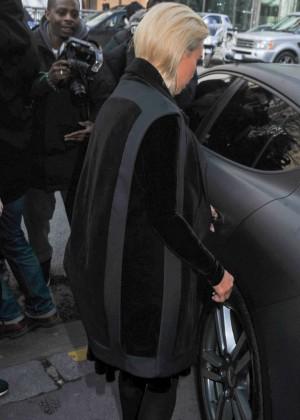 Kim Kardashian Debuts Blonde Hair -42