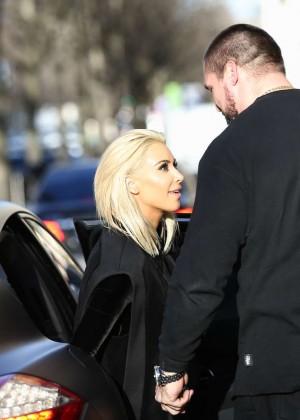 Kim Kardashian Debuts Blonde Hair -43