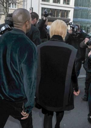 Kim Kardashian Debuts Blonde Hair -44