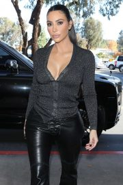 Kim Kardashian - Out for lunch at La Plata in Agoura Hills