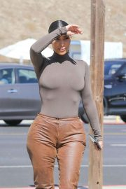 Kim Kardashian - Out for lunch at Malibu Farm Pier Cafe in Malibu