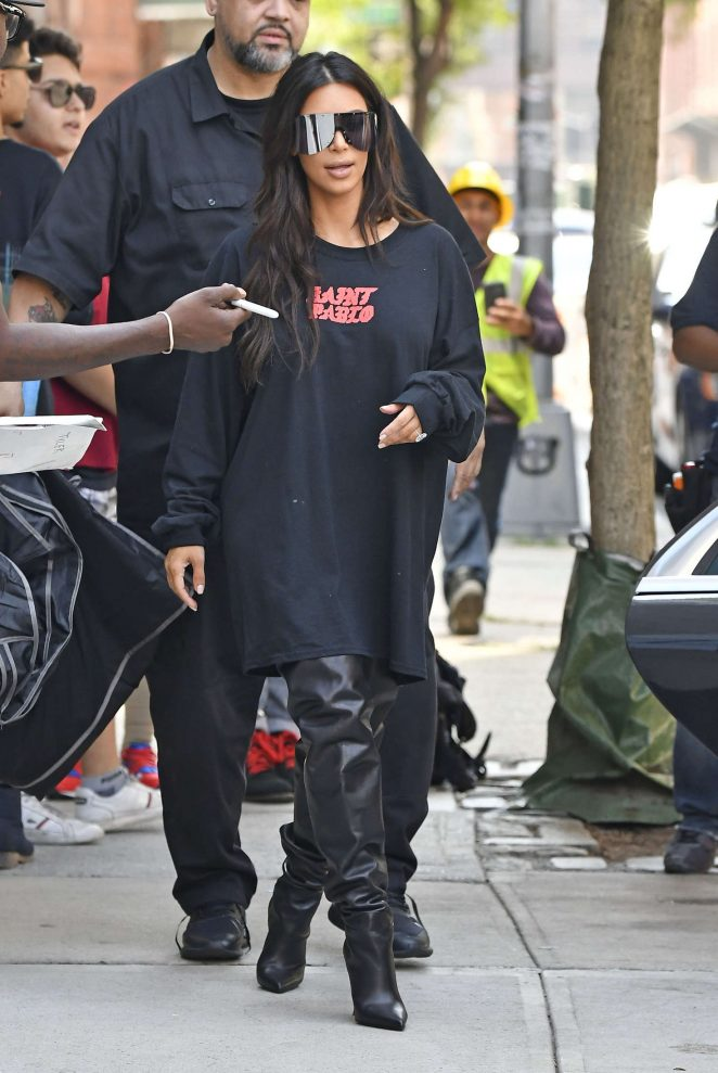 Kim Kardashian: Out for lunch in NYC -02
