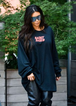Kim Kardashian - Out for lunch in NYC
