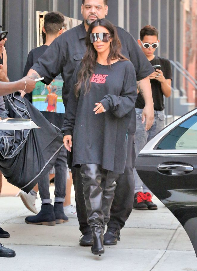 Kim Kardashian: Out for lunch in NYC -21