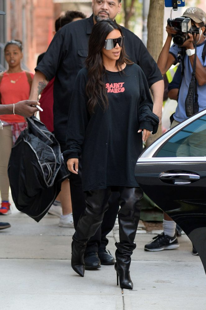 Kim Kardashian: Out for lunch in NYC -29
