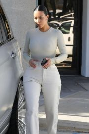 Kim Kardashian - Out in Calabasas