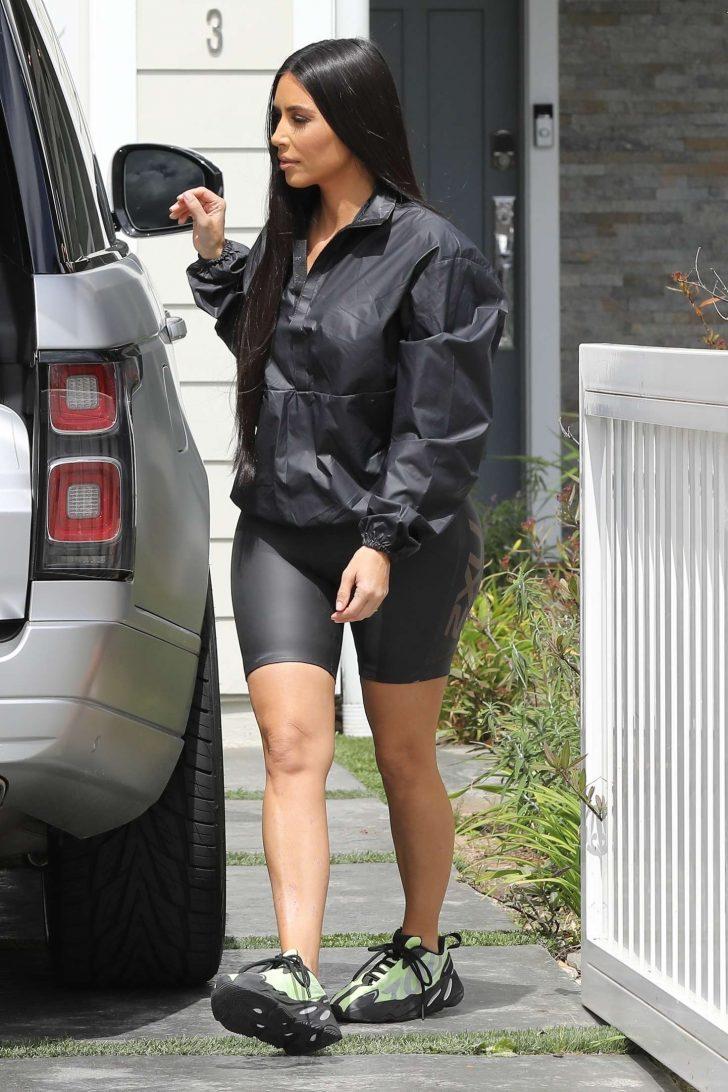 Kim Kardashian: Out in Los Angeles -01