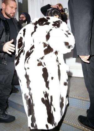 Kim Kardashian out in NYC -01