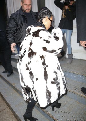 Kim Kardashian out in NYC -14