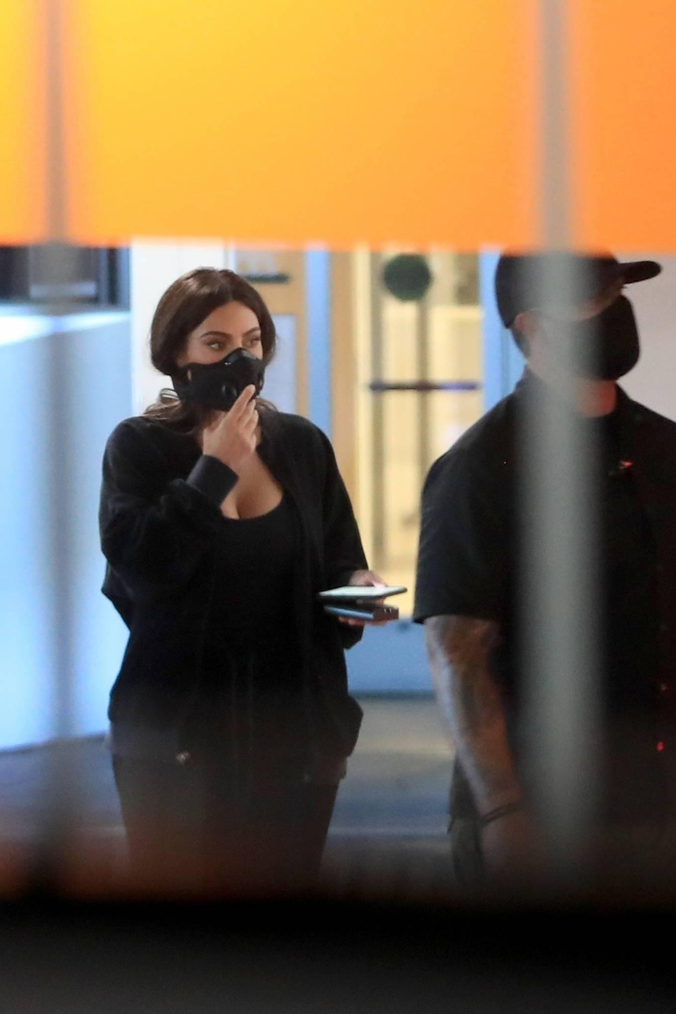 Kim Kardashian - Seen leaving Cedars-Sinai hospital in Los Angeles