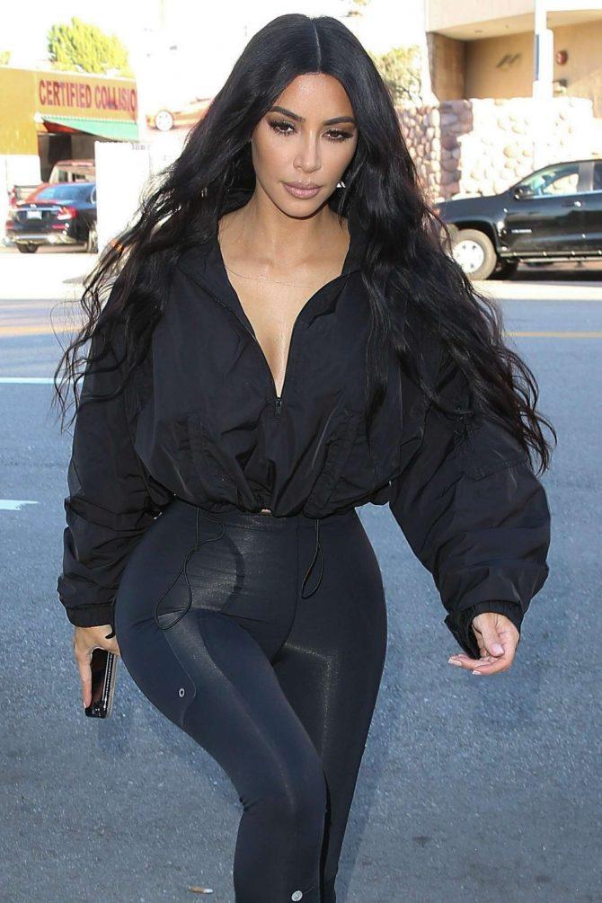 Kim Kardashian - Shopping at Sap and Honey in Sherman Oaks